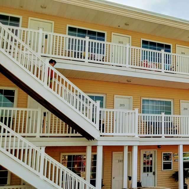 Making getaway plans to #lBI with your girlfriends are easy.