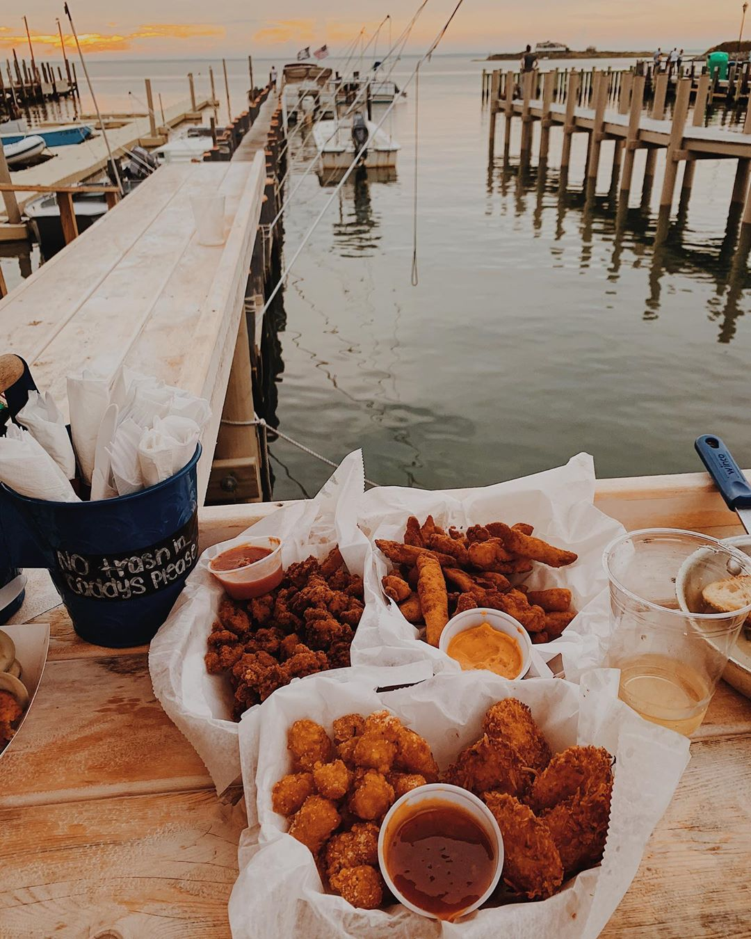 LBI @pollysdock the other night was an absolute dream !! all my favorite fried foods…