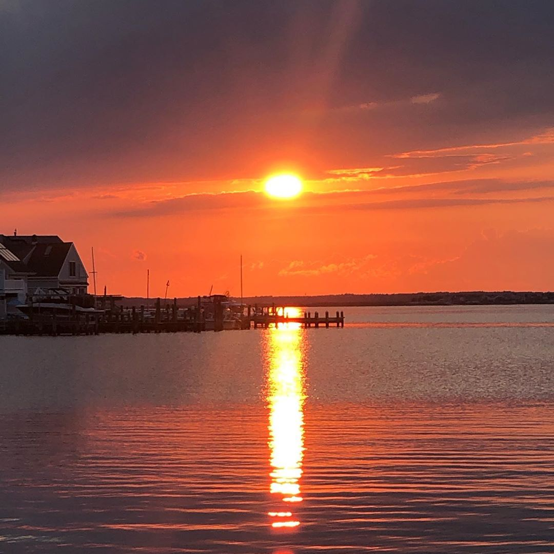 Read more about the article LBI Another amazing sunset by the bay!    …