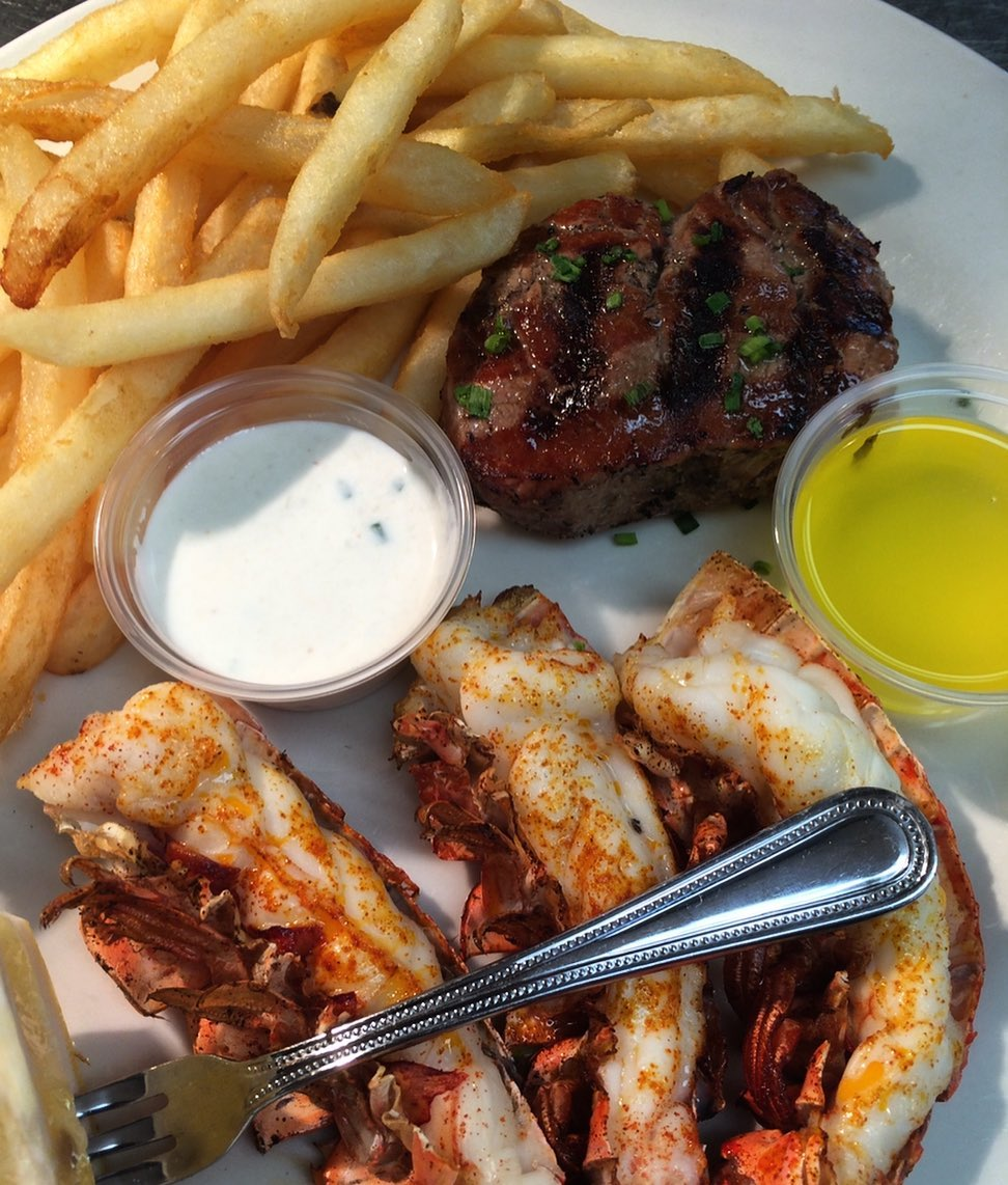 LBI Can't decide what to have for dinner? Surf & turf for the win! Filet Mignon serv…