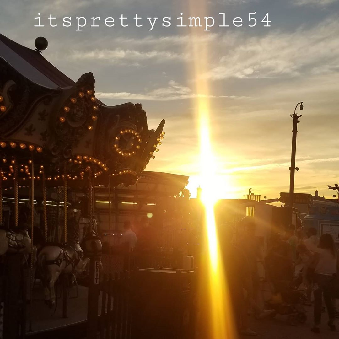 LBI Holding on to  those Summer Sunsets           @itsprettysimple54…