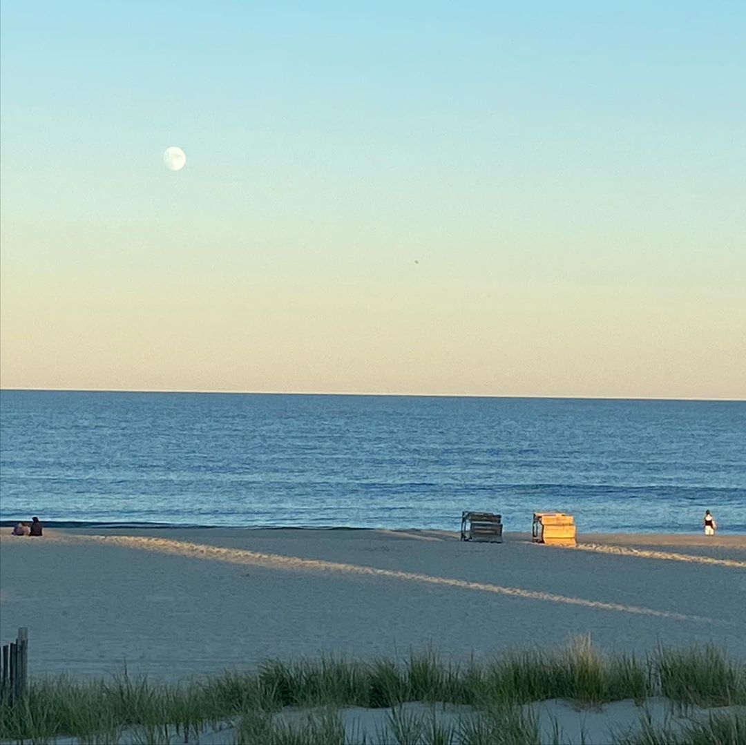 LBI Moon rise, sunset, and a Tiki Bar Boat (or is it a Tiki Boat Bar ). Great ending…