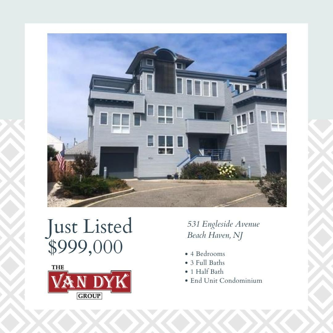 LBI NEW LISTING!  This 4 bedroom, 3.5 bath, end unit condo has unbelievable bay view…