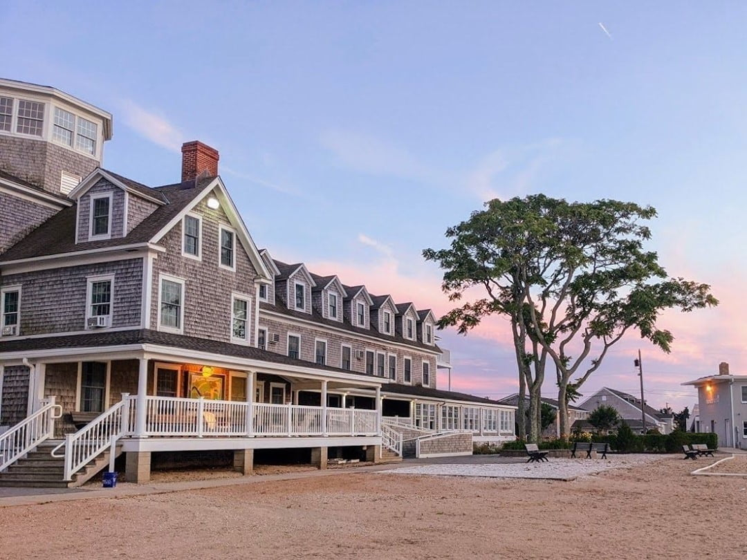 LBI This view of the historic Victorian Hotel never gets old! Are you ready to come …