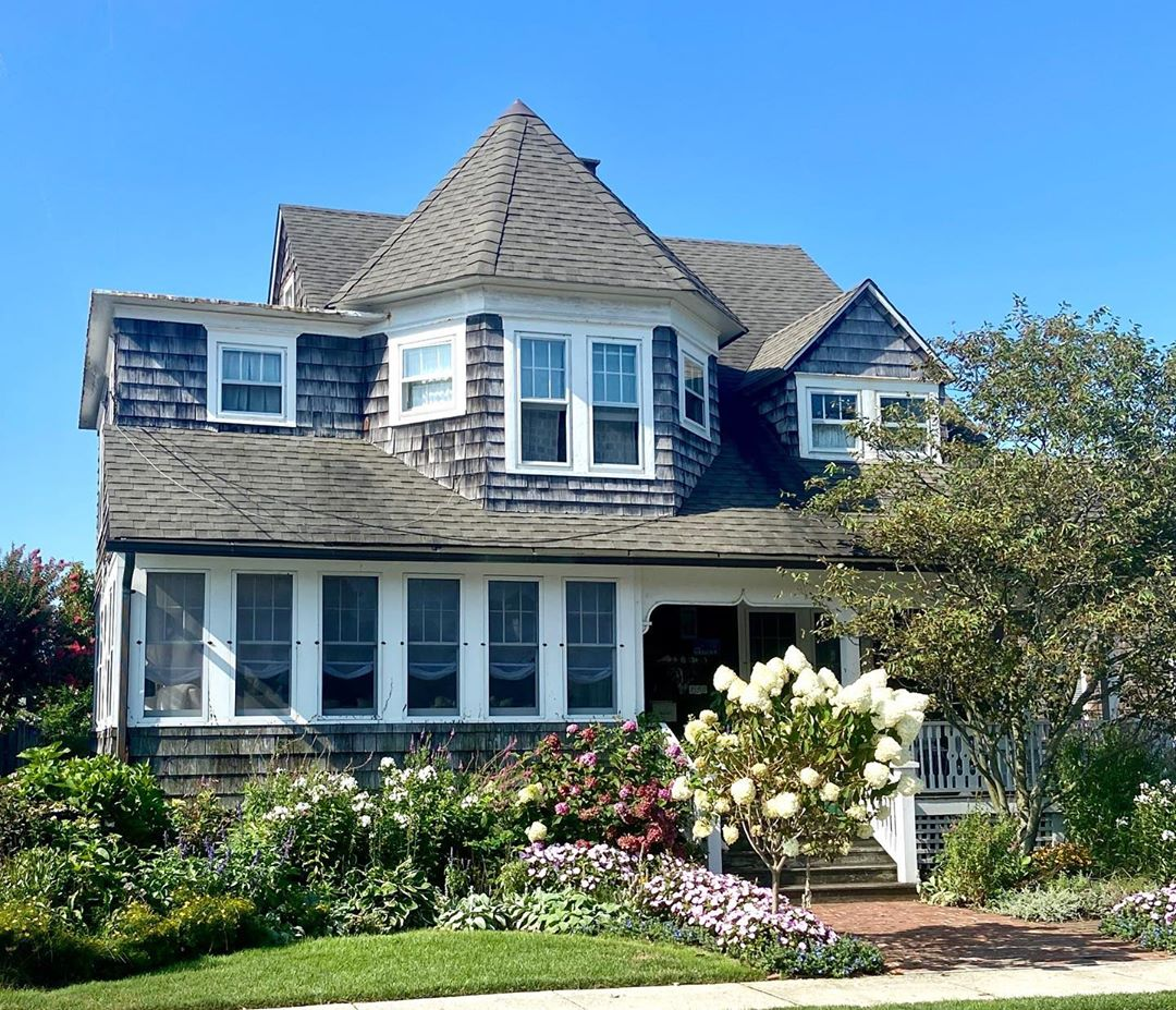 LBI A beautiful beach cottage for the last post from the shore. Hope you enjoyed!  T…