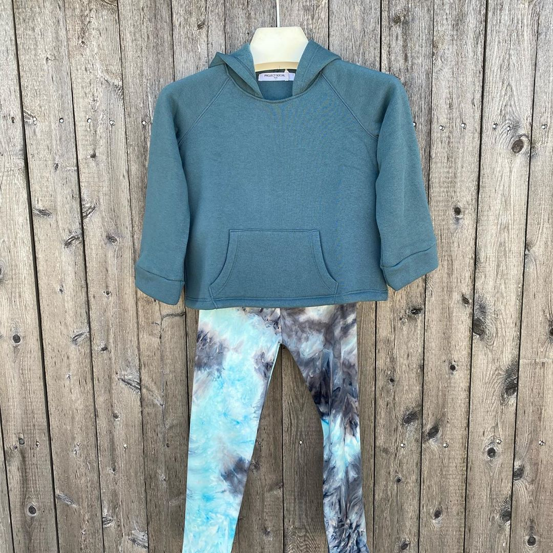LBI Another beautiful  tie dye legging that works perfectly with  fleece top. Come s…
