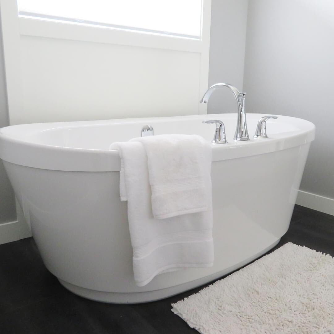 LBI Freestanding tubs are all the rage. Isn't it time to remove that old jetted tub …