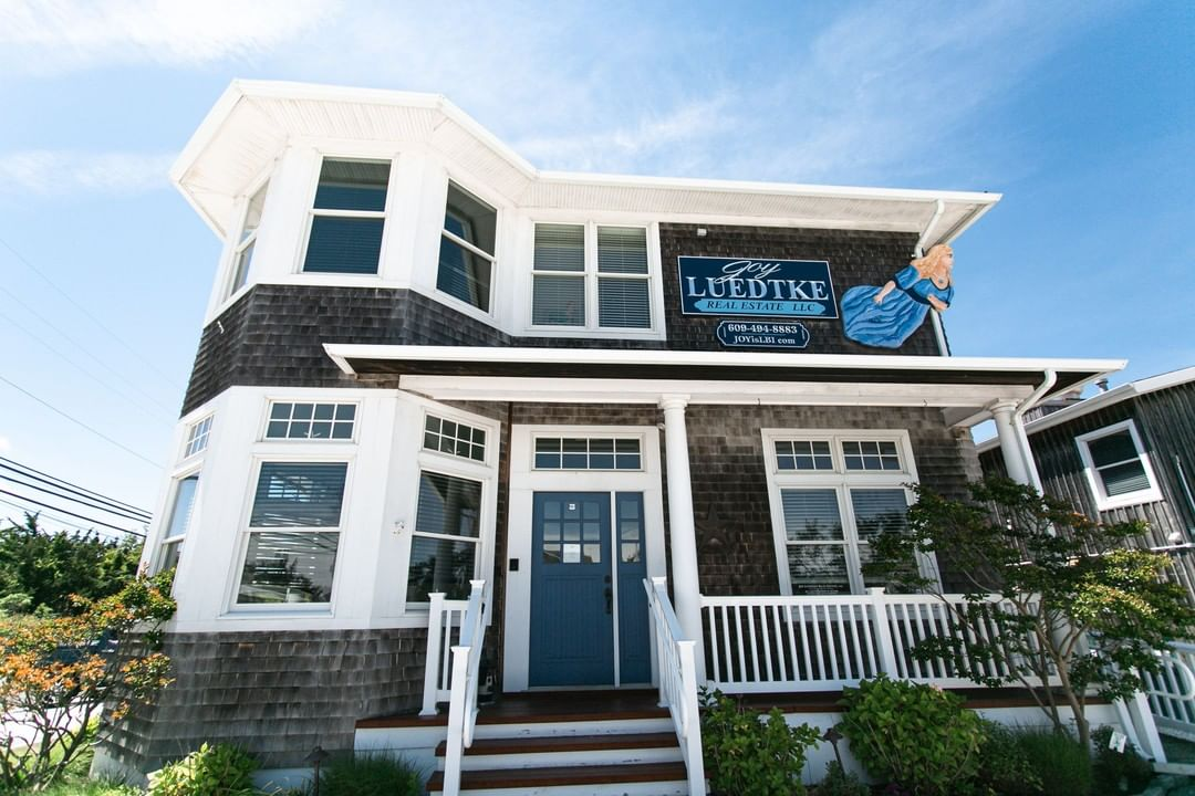 LBI Friday Feature! Check out Joy Luedtke Real Estate for your dream home, with offi…