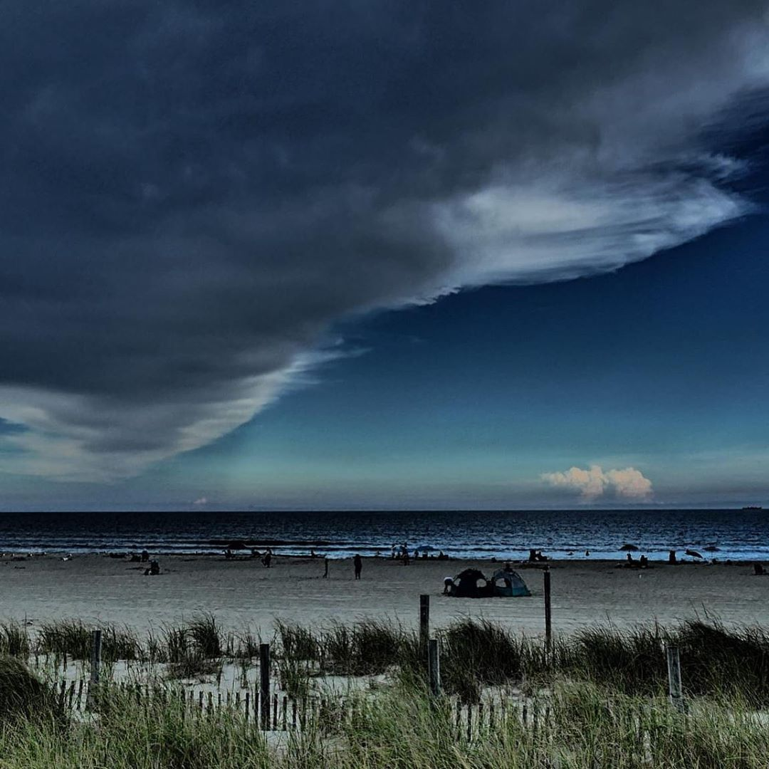 LBI Gary Krzywicki captured a nice shot from Ship Bottom. Lots of this action yester…