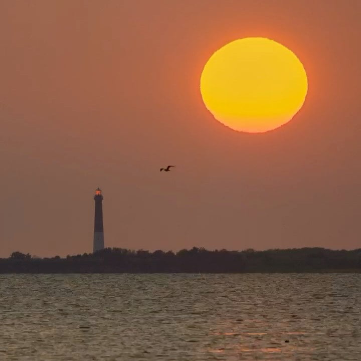 LBI Happy Sunday!  Here's the time-lapse of Friday morning's sunrise behind Barnegat…