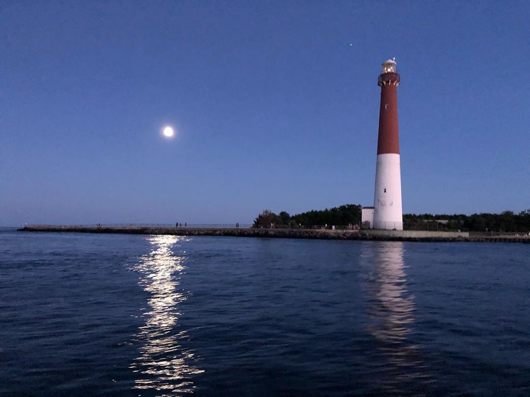 LBI Have you added watching the light house illuminate to your things to do on LBI?⁣…