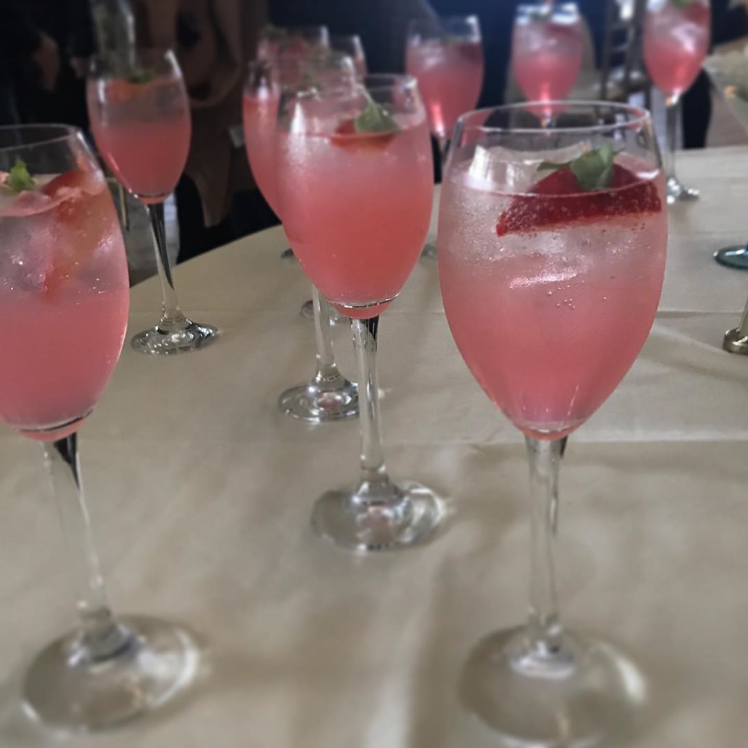 """Read more about the article LBI Here is what we call """"Blushing Bride"""" Refreshing, light, slightly bubbly, great …"""