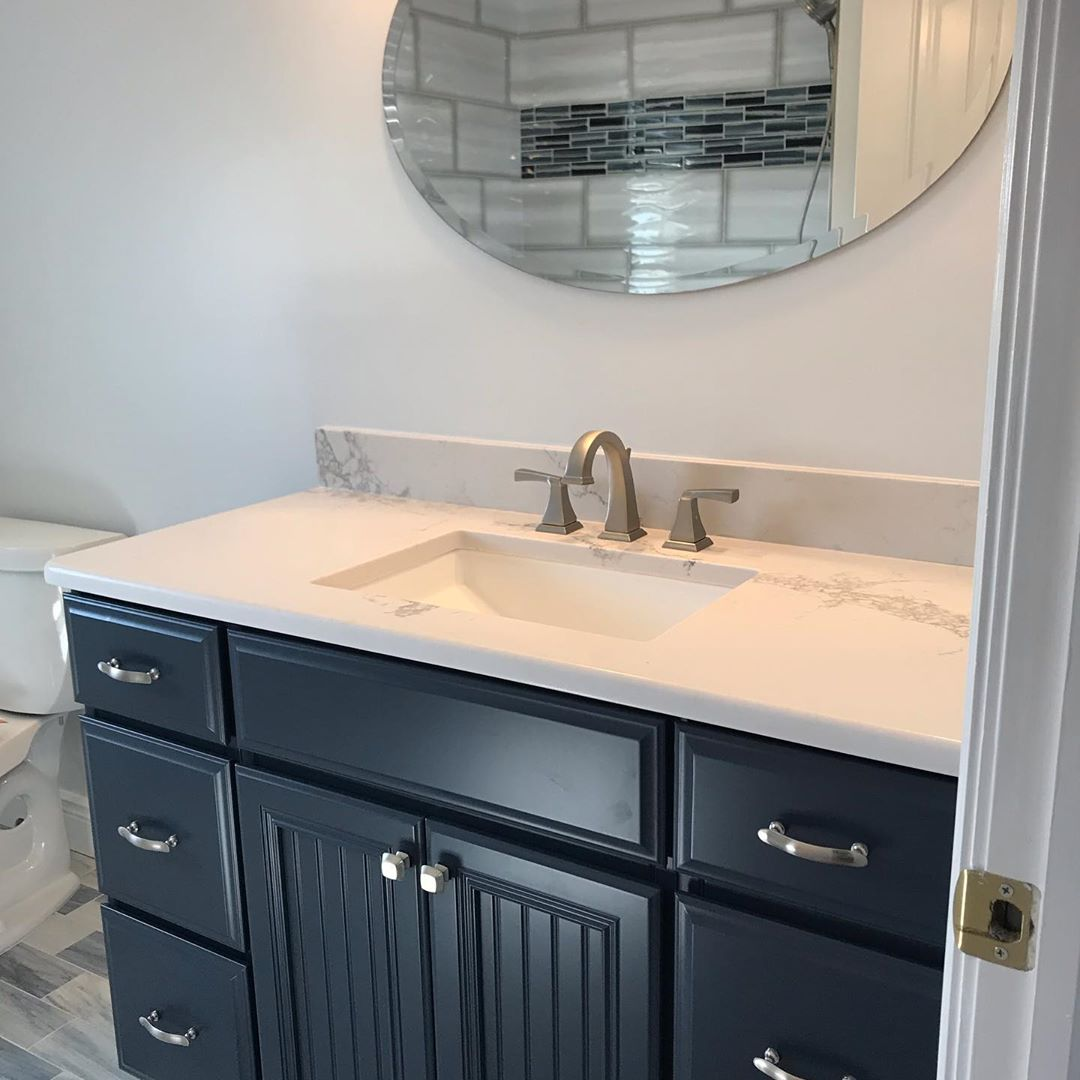 LBI Shower glass was the last step towards completion of this master bath. Tile sele…