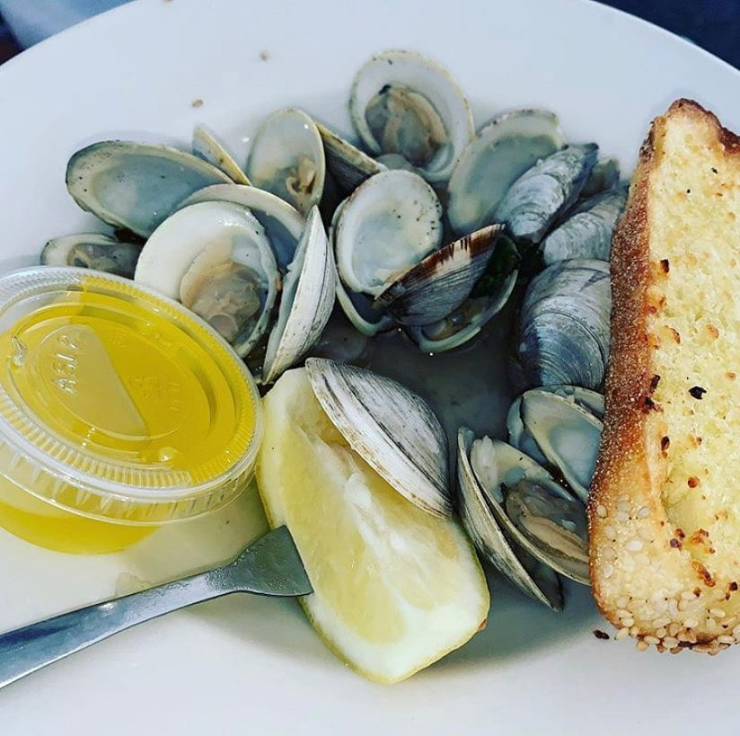 LBI The perfect appetizer does exist… start off with some steamed little neck toni…