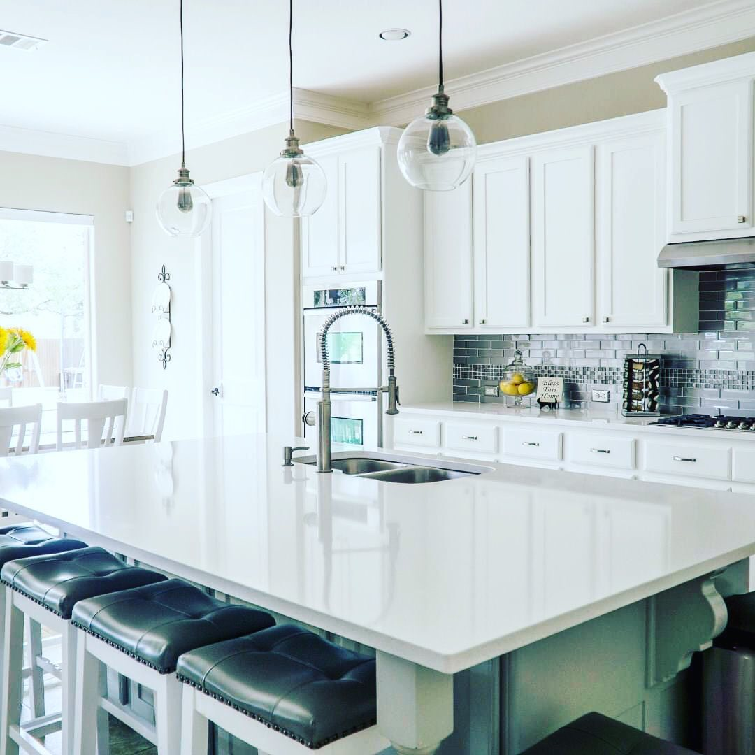 LBI White kitchens are timeless, bright and beautiful. Call us at 609.494.9400 to di…