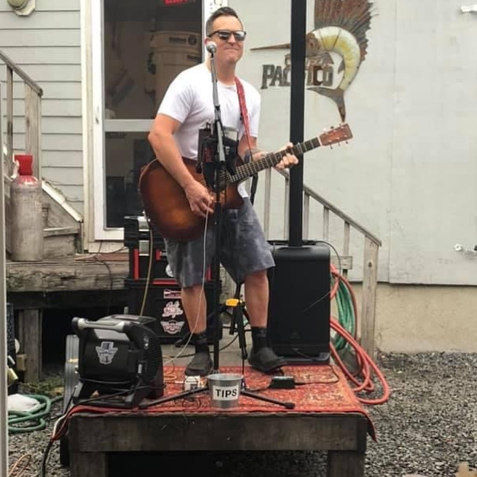 """LBI I'll be """"Dumpster Strumming""""  at The Black Whale  this evening from 6-9pm!      …"""