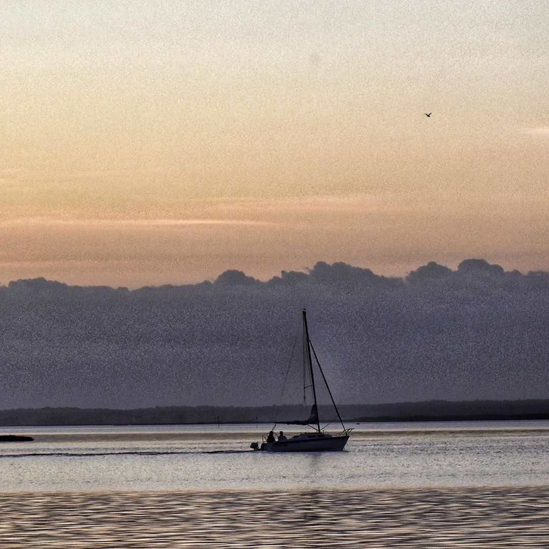 LBI Sailing away… • •                         …