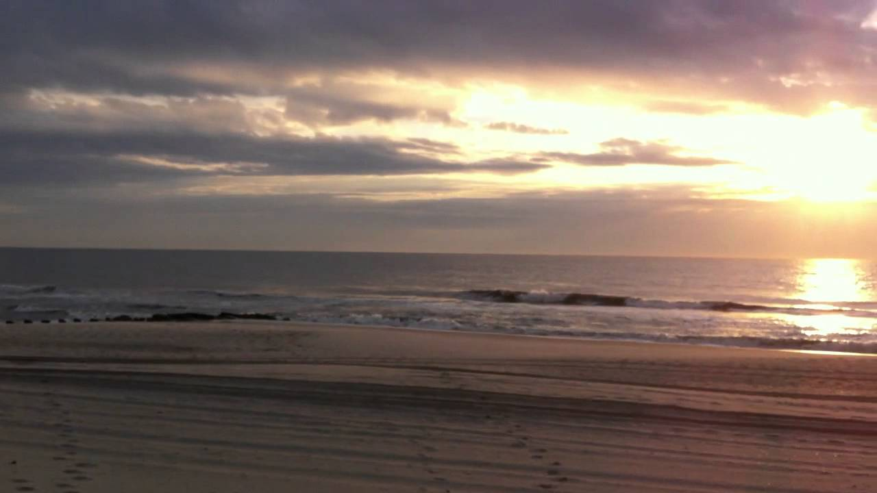 Read more about the article Beach House Retreats on LBI, NJ only steps to the beach. #LBI
