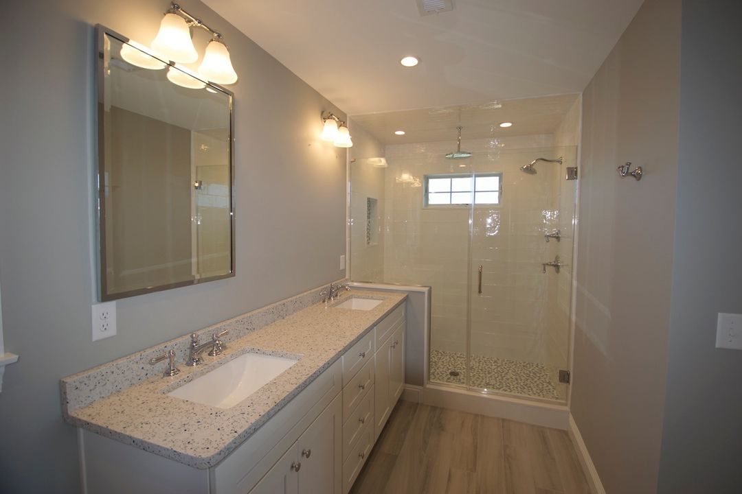 LBI Another inspired Master Bath design with an amazing shower & tile detail. Call u…