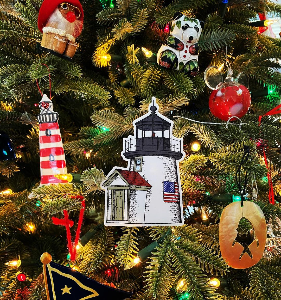LBI Have you bought your lighthouse sticker holiday gifts yet?? All orders go out sa…