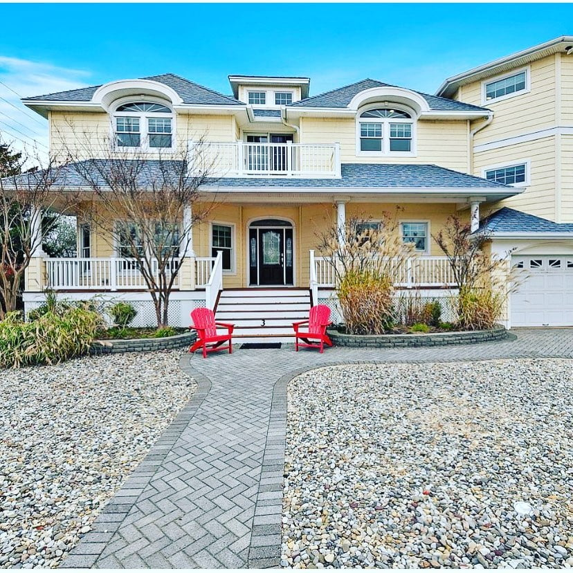 LBI OPEN HOUSE, Saturday, December 5, 2020  11 am to 2 pm.  Welcome to 3 E Tennesse,…