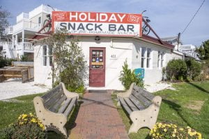 New Owner of Beach Haven's Holiday Snack Bar Won't 'Change a Thing'