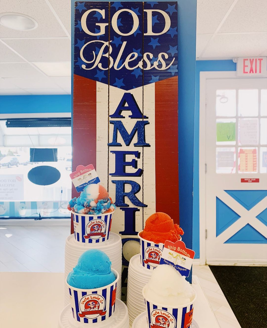 Read more about the article LBI HAPPY 4TH OF JULY take a break from the beach and grab a cool treat!   open from…