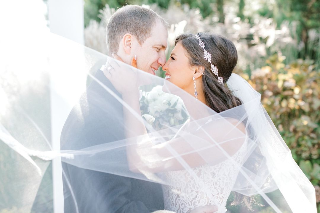 LBI If you only knew how much work these veil shots take! We say, totally worth it! …