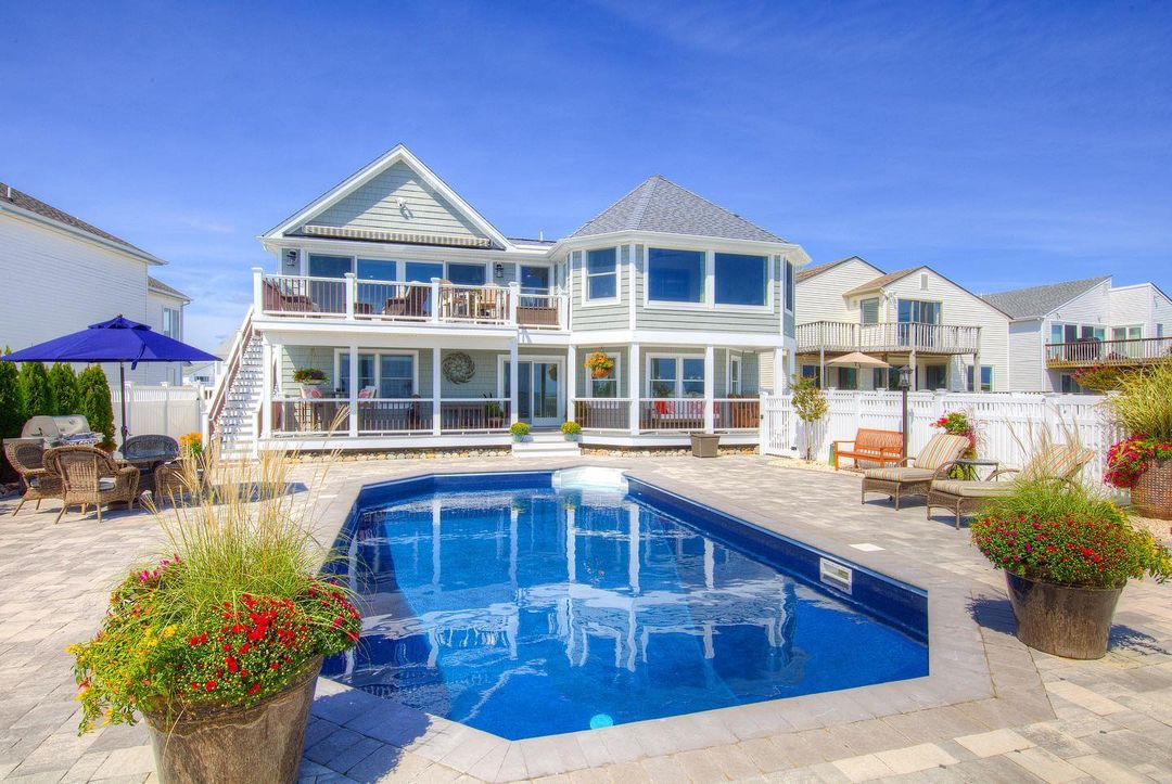 Read more about the article LBI J U S T S O L D  . We were happy to help assist the new buyers with this purchas…