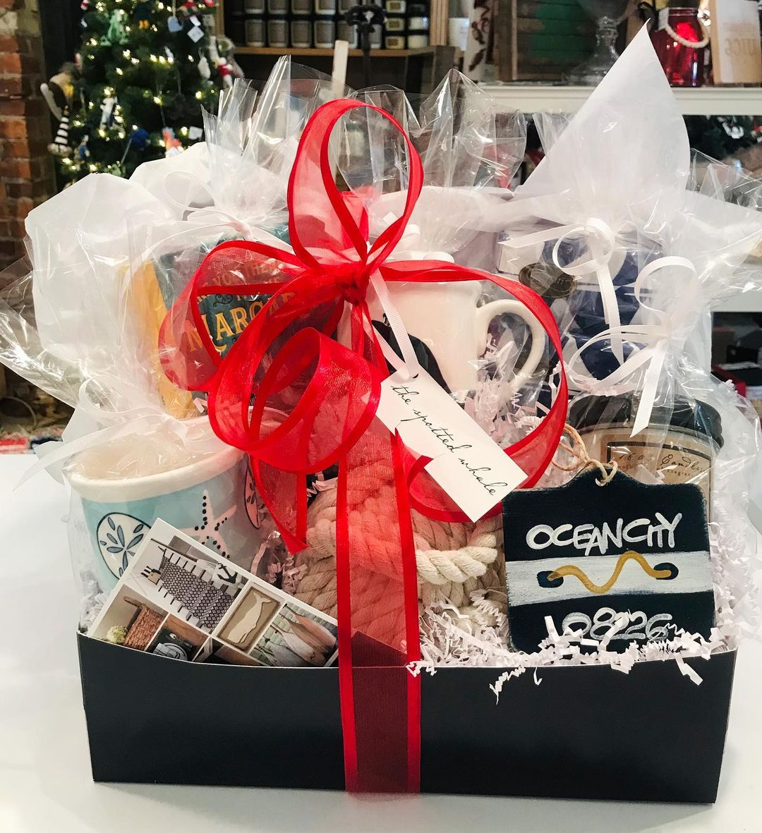 LBI Last minute Christmas shopping? We offer complimentary gift wrapping!           …