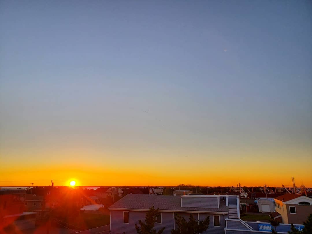 LBI My favorite way to rise above this crazy world?? Rooftops.  Really puts things i…