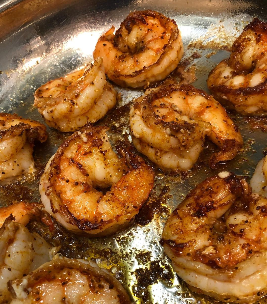LBI Spicy pan fried shrimp and homemade creamed spinach on this chilly December nigh…