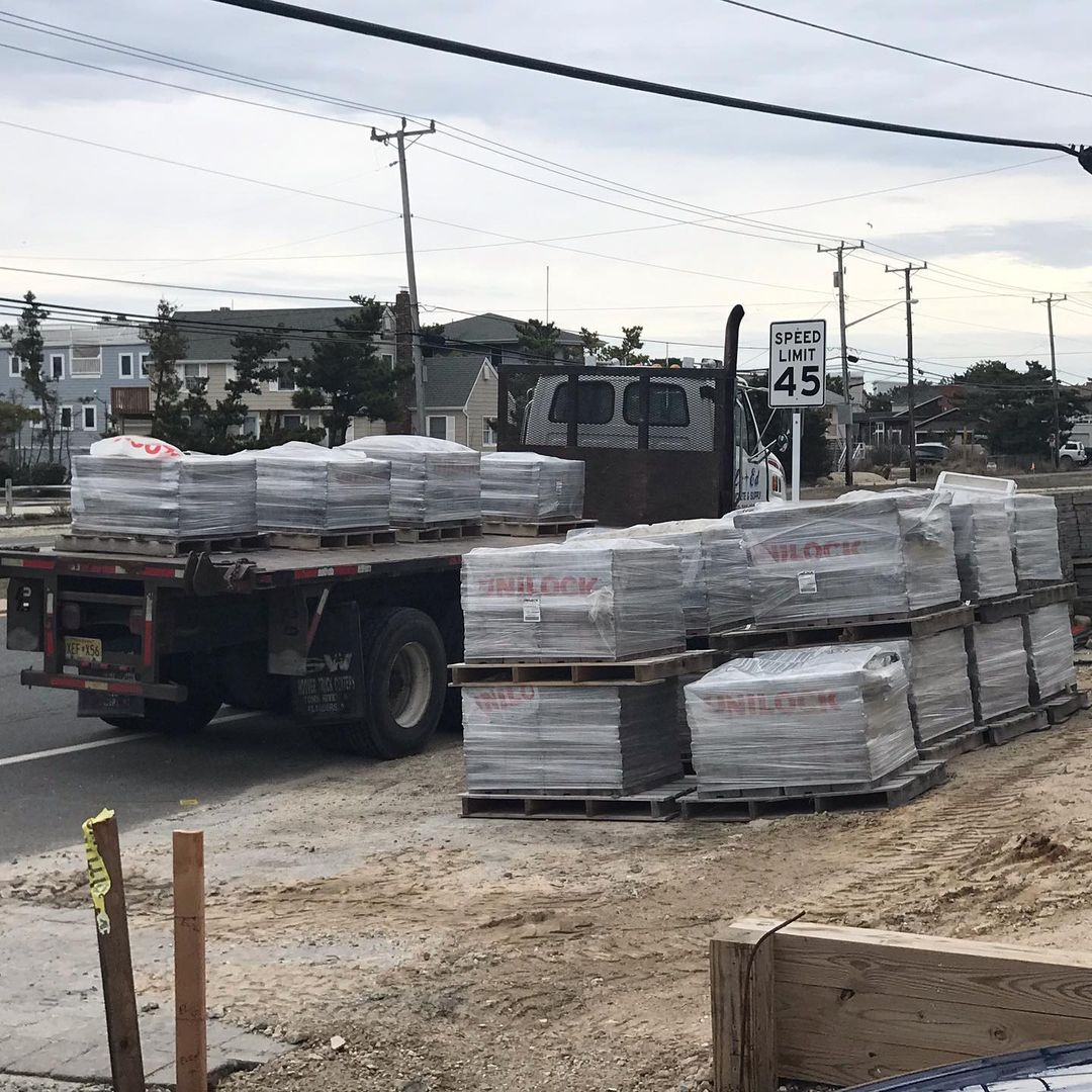 LBI  dropping off Estate Wall Sierra in   Material being installed by Brick-it. More…