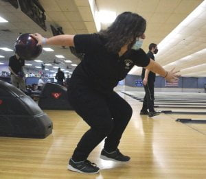 Southern Regional Bowlers Thankful to Compete, Have Fun Together