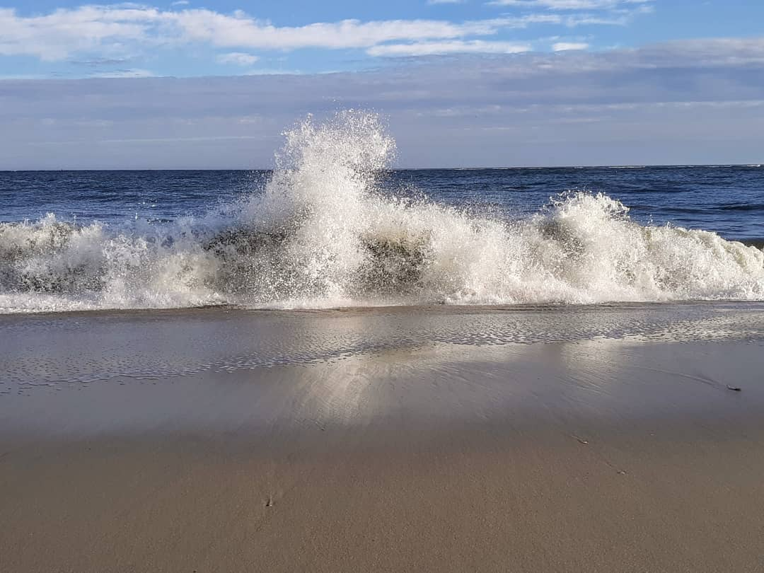 Read more about the article LBI A study in waves pt. 2 Dec 13th and about 65 degrees on the Jersey coast.       …