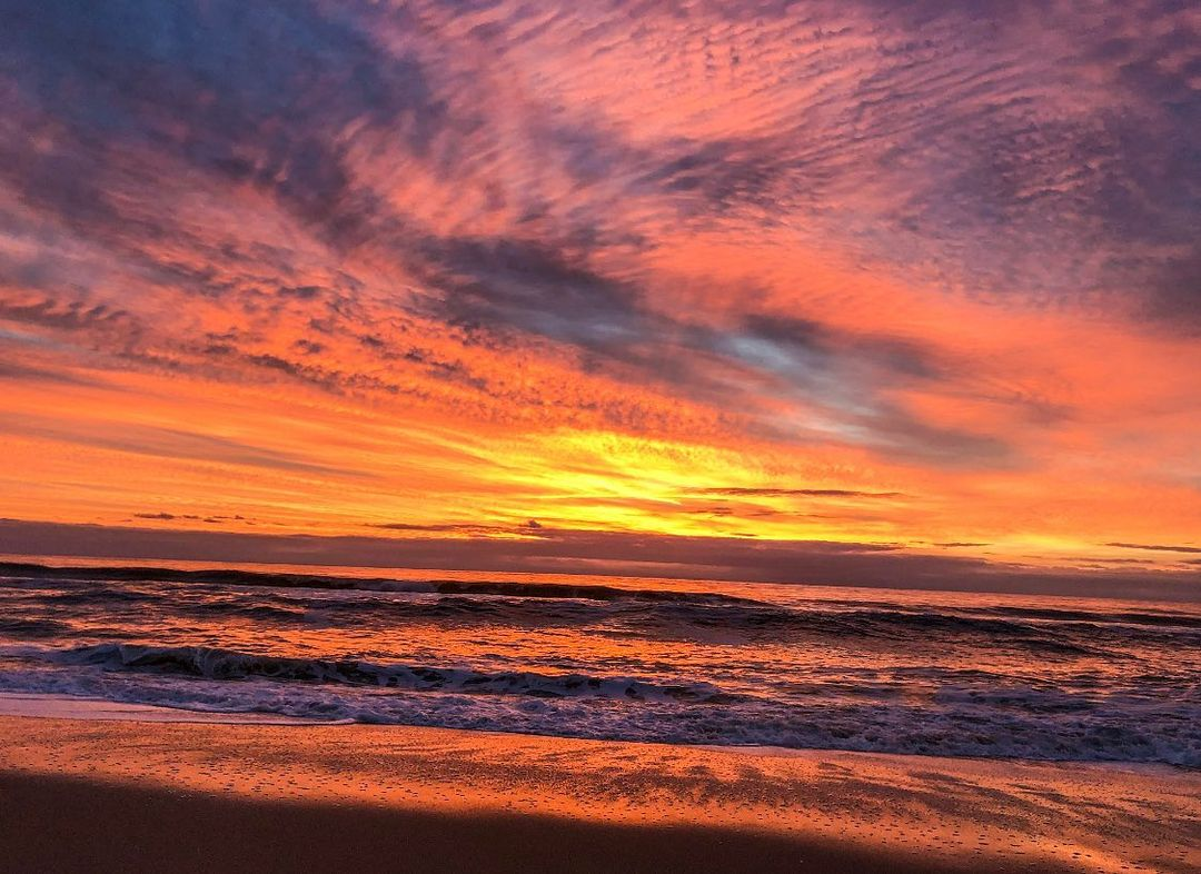 LBI Happy Sunday everyone! Anyone else catch this morning's fiery sunrise? What a tr…