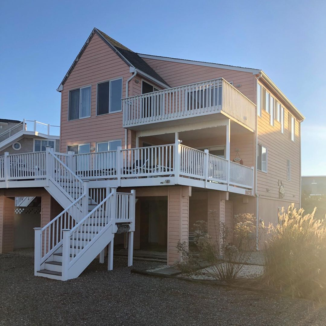 LBI Last exterior of the season completed! Hopefully the contractor  comes out soon …