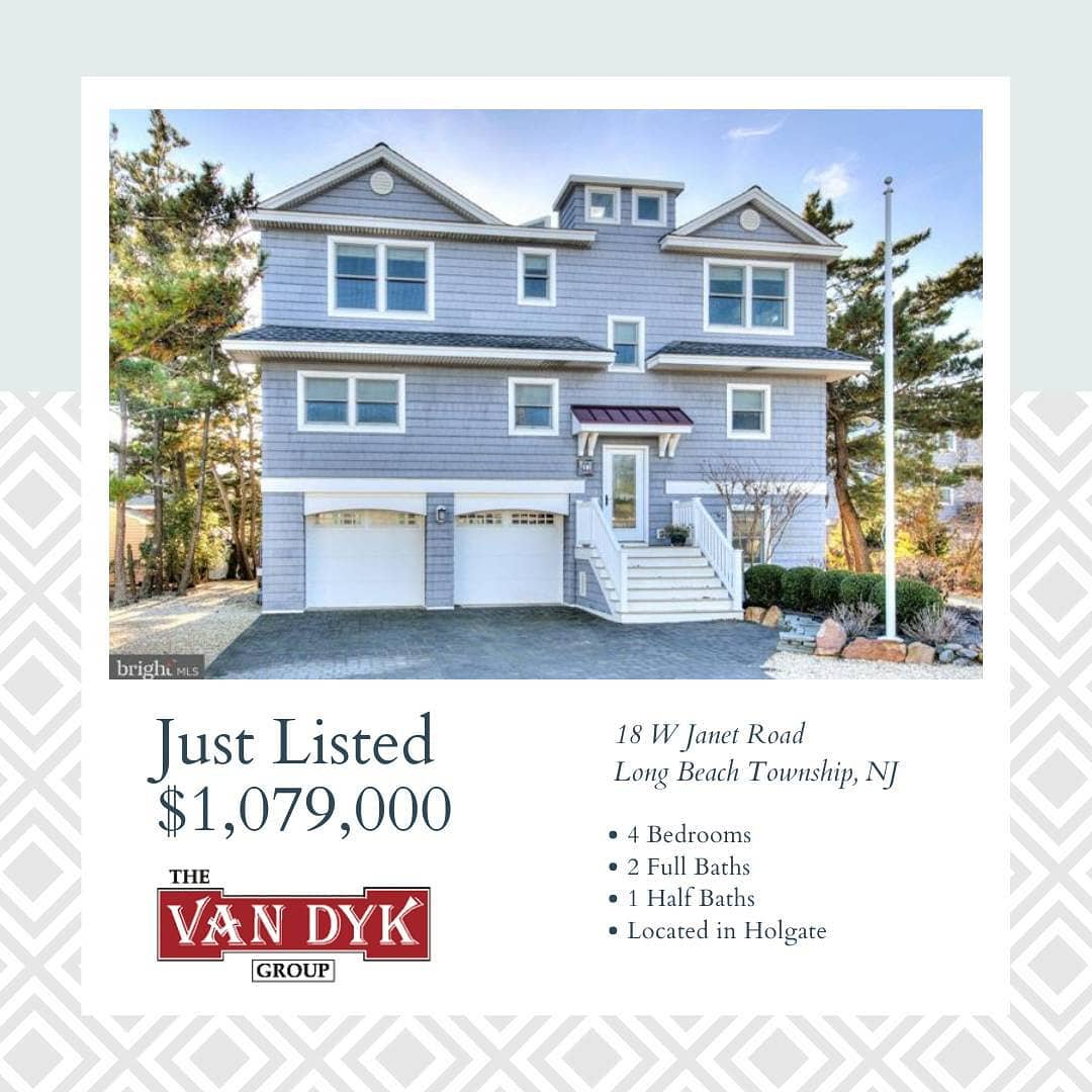 Read more about the article LBI NEW LISTING!  Ensconced by mature evergreen trees, your private oasis and gorgeo…