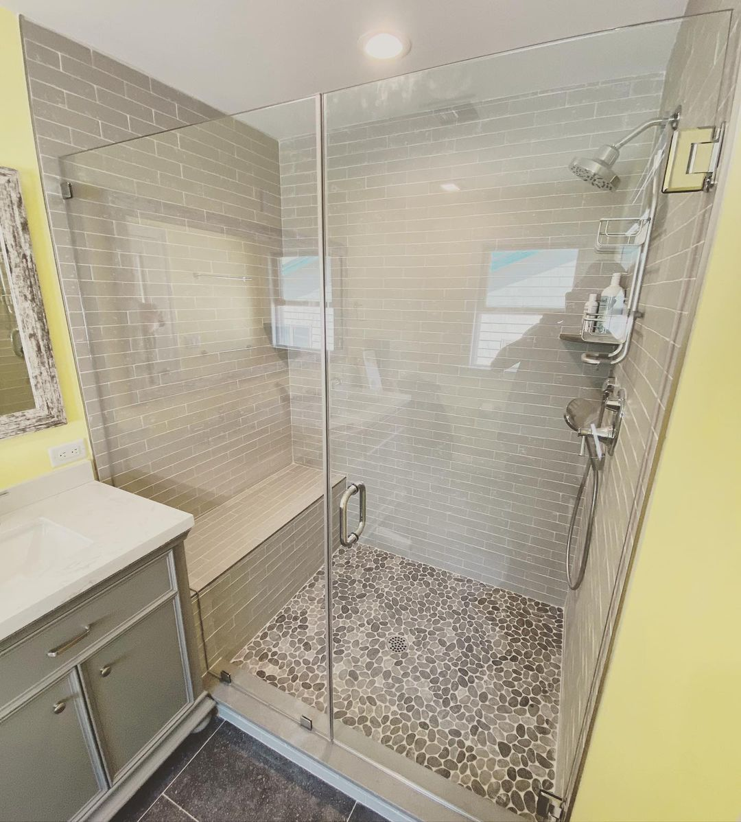 Read more about the article LBI Now that is a master shower!!! Gorgeous  !!! Beautiful frameless glass door and …