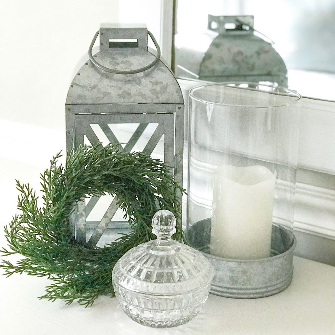 LBI Simple Christmas decor!! Add a little touch of the holiday season to your curren…