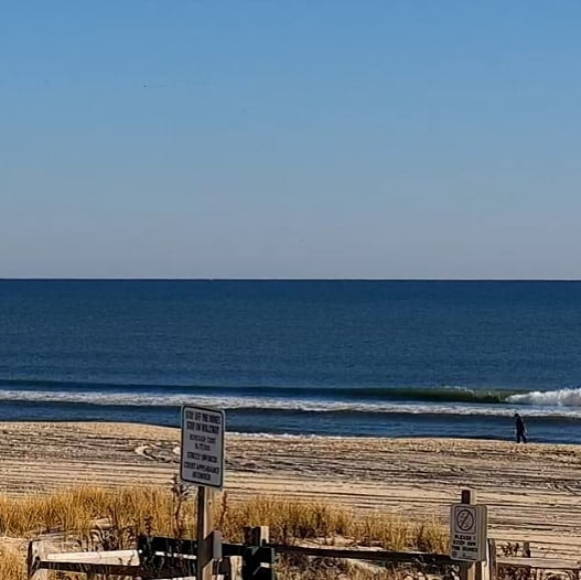 LBI Surf REPORT  Small SE lingers this morning with most spots checking in the knee …