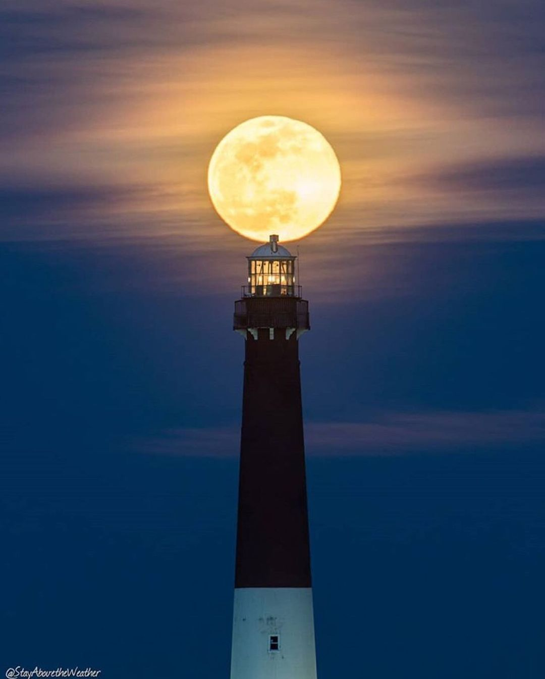 LBI That supermoon earlier this week was incredible! We just had to repost this shot…