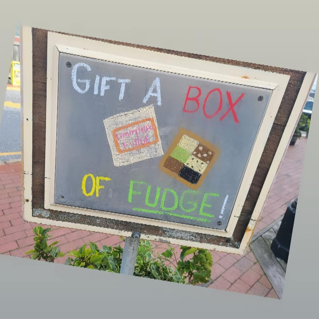 LBI There is still time to order your fudge for Christmas! Just head over to our web…
