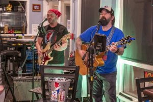 Read more about the article Be Kind Duo Spreads Musical Message