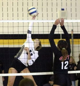 Southern Regional Girls Volleyball Squad Scores Win Over Williamstown in Big Opening Week