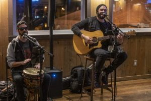 Read more about the article Stealing Savanah Acoustic Duo Returns to Old Causeway
