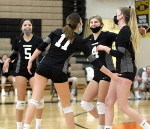 Southern Volleyball Squad Snatches Division Crown But Win Streak Ends at 10