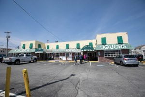 Read more about the article Patrons, Neighbors Bid Farewall to Kubel's Too