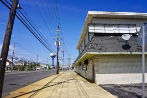 Read more about the article Long Beach Township Moves Ahead With Acquiring Old M&M Steam Bar Lot