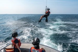 Read more about the article Coast Guard Helo Ops Training a Team Effort
